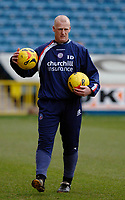 Photo: Daniel Hambury.<br />Millwall FC v Crystal Palace. Coca Cola Championship. 18/02/2006.<br />Palace's manager Iain Dowie during the warm up.