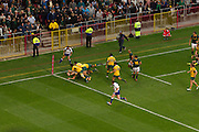 Jean de Villiers scores his first of two tries playing as captain of the Springboks agains Australia at Newlands stadium