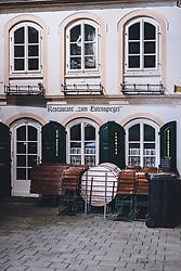 09.04.2020, Salzburg, AUT, Coronavirus in Österreich, im Bild geschlossenes Restaurant während der Coronavirus Pandemie // closed restaurant during the World Wide Coronavirus Pandemic in Salzburg, Austria on 2020/04/09. EXPA Pictures © 2020, PhotoCredit: EXPA/ JFK