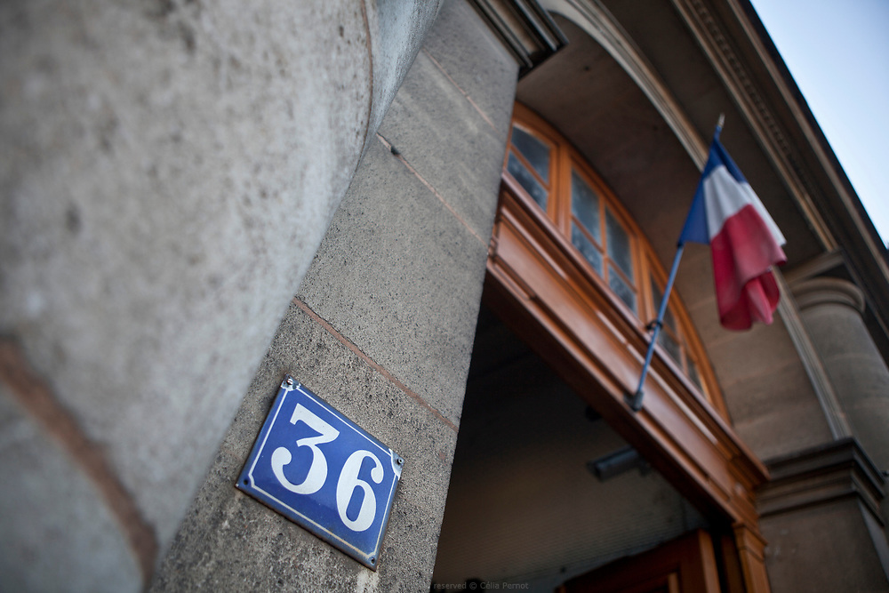 Le 36, quai des Orfèvres est le bâtiment où se trouvent le siège, l'état-major et les services communs de la Direction régionale de la police judiciaire de la Préfecture de police de Paris. Attenant au Palais de justice de la capitale, il est situé au numéro 36 du quai des Orfèvres, sur l'île de la Cité, face à la rive gauche, dans le 1er arrondissement.