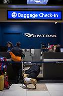 När man åker längre sträckor med tåg i USA så kan man checka in väskor på samma sätt som nör man flyger.<br /> <br /> Foto: Christina Sjögren