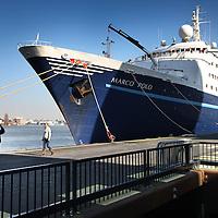 Nederland, Amsterdam , 8 maart 2011..Het cruise schip Marco Polo  (ship) staat klaar voor vertrek bij de Passengers Terminal aan de Ruyterkade..Foto:Jean-Pierre Jans