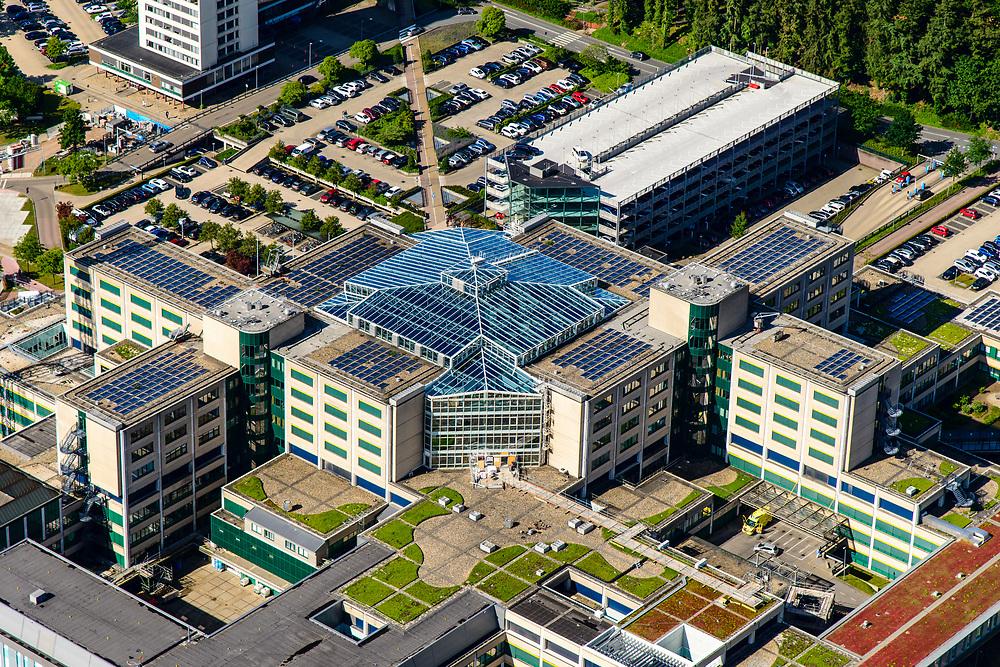 Nederland, Gelderland, Arnhem, 29-05-2019; de wijk Alteveer-Kraneveld met Rijnstate ziekenhuis.<br /> Rijnstate hospital.<br /> <br /> luchtfoto (toeslag op standard tarieven);<br /> aerial photo (additional fee required);<br /> copyright foto/photo Siebe Swart