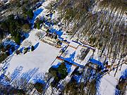 Nederland, Noord-Holland, gemeente Wijdemeren; 02-13-2021; 's-Graveland, landgoed Swaenenburgh in de winter. Ontwerp landhuis architectP.J.H. Cuypers, ontwerp tuin en zwembad een landhuisF.A. Eschauzier.<br /> 's-Graveland, Swaenenburgh estate.<br /> <br /> luchtfoto (toeslag op standaard tarieven);<br /> aerial photo (additional fee required)<br /> copyright © 2021 foto/photo Siebe Swart