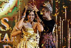 June 10, 2017 - Yangon, Myanmar - EI KYAWT KHAING is crowned after winning the Miss Myanmar World 2017 pageant in Yangon, Myanmar. (Credit Image: © U Aung/Xinhua via ZUMA Wire)