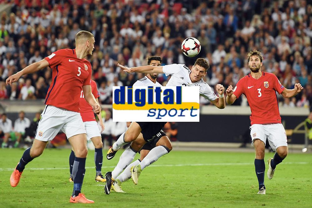 6:0 Tor v.l. Gustav Valsvik, Torschuetze Mario Gomez  (Deutschland), Jørrgen Skjelvik , Gustav Valsvik<br /> Stuttgart, 04.09.2017, Fussball, WM-Qualifikation,<br /> Tyskland - Norge <br /> <br /> Norway only