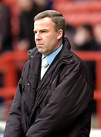 Photo: Leigh Quinnell.<br /> Nottingham Forest v Swansea. Coca Cola League 1. 11/02/2006. Swansea manager Kenny Jacket looks on.