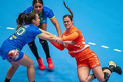 Tessa van Zijl of Netherlands, Tjasa Stanko of Slovenia in action during the Women's friendly match between Netherlands and Slovenia at De Maaspoort on march 19, 2021 in Den Bosch, Netherlands (Photo by RHF Agency/Ronald Hoogendoorn)