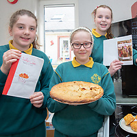 Ava Ní Chonchain, Siun de Burca and Niamh Ní Chaollaí with their Jessies Project Leabhar Oideas