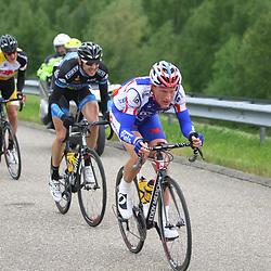 Olympia's Tour etappe Rhenen-Alkmaar passage Stichtse Brug Berden de Vries voert het tempo bij de koplopers op. De groep kreeg maximaal 40 seconden voorsprong