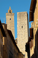 Medieval Towers- San Gimignano - Italy .<br /> <br /> Visit our ITALY PHOTO COLLECTION for more   photos of Italy to download or buy as prints https://funkystock.photoshelter.com/gallery-collection/2b-Pictures-Images-of-Italy-Photos-of-Italian-Historic-Landmark-Sites/C0000qxA2zGFjd_k<br /> If you prefer to buy from our ALAMY PHOTO LIBRARY  Collection visit : https://www.alamy.com/portfolio/paul-williams-funkystock/sangimignano.html