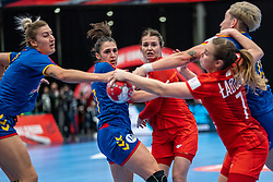 (L-R) Laura Petru Popa of Romania, Lorena Gabriela Ostase of Romania, Natalia Nosek of Poland during the Women's EHF Euro 2020 match between Poland and Romania at Sydbank Arena on december 05, 2020 in Kolding, Denmark (Photo by RHF Agency/Ronald Hoogendoorn)