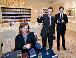 RUSSELS, BELGIUM - NOV-5-2008 - Senior managers from Dielbold Inc. and Banque de la Poste, sign a multi-million euro contract at the Conrad Hotel, in Brussels, Belgium, Wednesday, Nov. 5, 2008. (Photo © Jock Fistick)