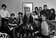 U2 - Paulo Hewitt, Larry Mullen, Neil Storey, Adam Clayton, Paul McGuiness  and friends - backstage  Chicago USA tour - 1981