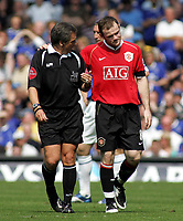 Photo: Paul Thomas.<br /> Everton v Manchester United. The Barclays Premiership. 28/04/2007.<br /> <br /> Wayne Rooney of Utd doesn't agree with referee Alan Wiley.