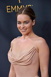 Emilia Clarke bei der Verleihung der 68. Primetime Emmy Awards in Los Angeles / 180916<br /> <br /> *** 68th Primetime Emmy Awards in Los Angeles, California on September 18th, 2016***