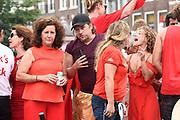 De jaarlijkse Canal Parade is onderdeel van de Amsterdam Gay Pride. Tijdens dit evenement vieren lesbiennes, homos, biseksuelen en transgenders (LHBT) dat ze mogen zijn wie ze zijn en mogen houden van wie ze willen. <br /> <br /> The annual Canal Parade is part of the Amsterdam Gay Pride. During this event lesbians, homosexuals, bisexuals and transgenders (LGBT) celebrate that they can be who they are and are allowed to love who they want.<br /> <br /> Op de foto / On the photo: Ferri Somogyi