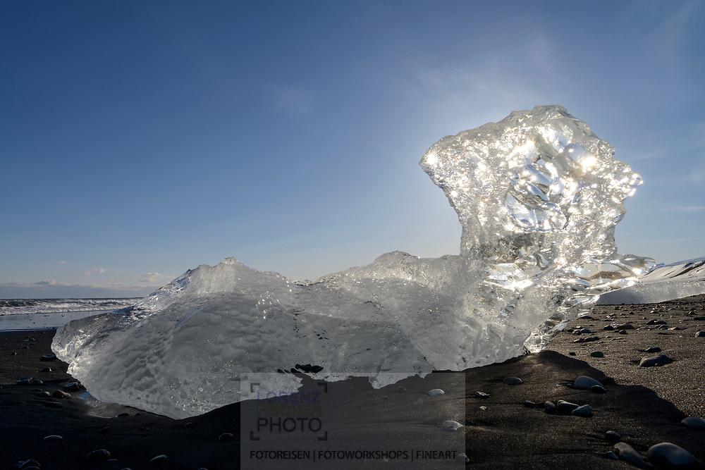 Impressionen bei der Gletscherbucht Jökulsárlón am Rand des Gletschers Breiðamerkurjökull, einem Auslassgletscher des Vatnajökull (Wassergletscher) im Südosten von Island.