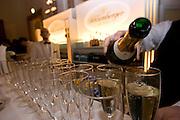 """Wien/Oesterreich, AUT, 28.01.2008: Ausschank von Champagner in der Wiener Hofburg vor dem Anfang des jaehrlichen Jaegerballs.<br /> <br /> Vienna/Austria, AUT, 28.01.2008: Champagne served at the Hunters Ball (Jaegerball) at the """"Hofburg"""" in Vienna."""