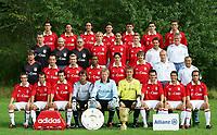 Fotball<br /> Bundesliga Tyskland 2005/2006<br /> Foto: imago/Digitalsport<br /> NORWAY ONLY<br /> <br /> 01.08.2005  <br /> <br /> Mannschaftsfoto FC Bayern München, hi.R.v.li.: Ballack, Pizarro, Santa Cruz, Demichelis, Makaay, Lucio, Ismael, 2.R.v.li.: Schmidtlein, Binder, Gebhardt, Ottl,  Guerrero, Schweinsteiger, Leuthard, Maier, 3.R.v.li.: Hoffmann, Jeremies, Görlitz, Ze Roberto; Hargreaves, Deisler, Eichkorn, Magath, vorn: Lahm, Scholl, Salihamidzic, Dreher, Kahn, Rensing, Sagnol, Lizarazu, Karimi