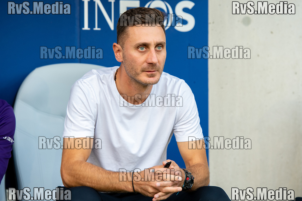 LAUSANNE, SWITZERLAND - SEPTEMBER 22: Head Coach Ilija Borenovic of FC Lausanne-Sport looks on before the Swiss Super League match between FC Lausanne-Sport and BSC Young Boys at Stade de la Tuiliere on September 22, 2021 in Lausanne, Switzerland. (Photo by Basile Barbey/RvS.Media/)