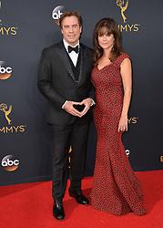 John Travolta & Kelly Preston bei der Verleihung der 68. Primetime Emmy Awards in Los Angeles / 180916<br /> <br /> *** 68th Primetime Emmy Awards in Los Angeles, California on September 18th, 2016***