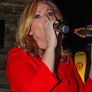 NLD/Zoetermeer/20121206 - Cd presentatie A Lady Christmas, Angela Groothuizen