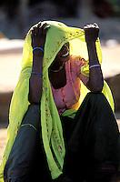 Inde. Rajasthan. Region de Bundi. Femme Rajpute. // India. Rajasthan. Bundi area. Rajpute woman.