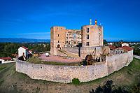 France, Loire (42), Montrond-les-Bains, château de Montrond, vallée de la Loire (vue aérienne) // France, Loire (42), Montrond-les-Bains, Montrond castle, Loire valley (aerial view)