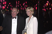 Andrew Neil and Jane Procter. Moet & Chandon fashion Tribute. Shoreditch High St. London 24 October 2000. © Copyright Photograph by Dafydd Jones 66 Stockwell Park Rd. London SW9 0DA Tel 020 7733 0108 www.dafjones.com
