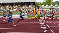 mens 200 meters semifinal, Trentavis Friday, USA