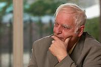 16 DEC 2004, BERLIN/GERMANY:<br /> Adolf Muschg, Schriftsteller und Praesident der Akademie der Kuenste, Berlin, waehrend einem Interview, Akademie der Kuenste<br /> IMAGE: 20041216-03-016<br /> KEYWORDS: Präsident Akademie der Künste