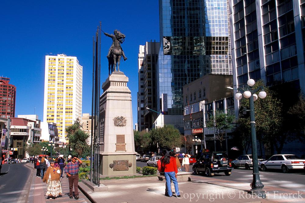 BOLIVIA, LA PAZ Simon Bolivar statue on El Prado