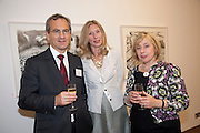 DAVID TYLER; EILEEN COOPER; CLARE COOPER, ' Showing Off' Exhibition of work by Eileen Cooper. Art First. 21 Eastcastle St. London. W1W 8DD.<br /> <br />  , -DO NOT ARCHIVE-© Copyright Photograph by Dafydd Jones. 248 Clapham Rd. London SW9 0PZ. Tel 0207 820 0771. www.dafjones.com.