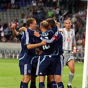 NLD/Amsterdam/20070802 - LG Amsterdams Tournament 2007, Ajax - Atletico Madrid, spelers van Ajax felicteren elkaar met Gabri zijn doelpunt
