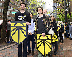 April 30, 2019 - New York, NY, U.S - Rally organized by Sunrise NYC in support of the Green New Deal outside of Senator Chuck Schumer's (D-NY) New York City office on Third Avenue in New York City on April 30, 2019 (Credit Image: © Michael Brochstein/ZUMA Wire)