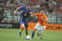 Fotball<br /> EM U21 Portugal 2006<br /> Nederland v Ukraina<br /> Foto: Cityfiles/Digitalsport<br /> NORWAY ONLY<br /> <br /> 20060604: OPORTO, PORTUGAL – UEFA Under 21 championship final match held at Bessa Seculo XXI stadium between Netherlands and Ukraine. The 2 teams faced each other in the first round of the event with a victory from Ukraine over Holland. <br /> The game ended with Netherlands winning for 3-0.<br /> In picture Artem Milevskiy (UKR) and Demy de Zeeuw (HOL)