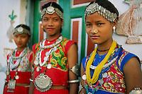 Nepal, Region du Terai, Jeune femme de l'Ethnie Dangaura Tharu. // Nepal, Terai area, Dangaura ethnic group woman.
