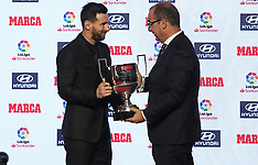 Leo Messi Receives The Trophy For The Best Player 2017-18