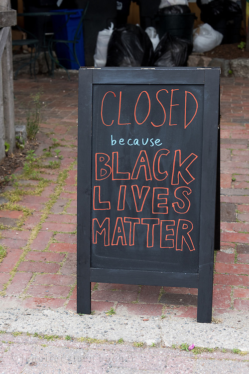Bar Harbor, Maine, USA. 21 June, 2020. The Lompoc Cafe expressing support for the student-led MDI March and Rally In Solidarity with Black Lives Matter.
