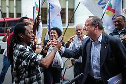 """O candidato a governador do Estado pela coligação """"O Rio Grande Merece Mais"""", Vieira da Cunha chega para o debate na Rádio Guaíba. FOTO: Jefferson Bernardes/ Agência Preview"""