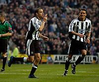Fotball<br /> England 2004/2005<br /> Foto: SBI/Digitalsport<br /> NORWAY ONLY<br /> <br /> Newcastle United v Charlton Athletic, Barclays Premiership, 05/02/2005.<br /> <br /> Newcastle's Kieron Dyer (L) celebrates his goal with Jermaine Jenas