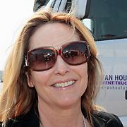 NLD/Amsterdam/20110430 - Koninginnedagconcert Radio 538, Angela Groothuizen