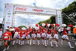 Os torcedores durante a Corrida Gigante, em percursos de 4km e 8km - nas modalidades corrida e caminha, no dia 1º de dezembro de 2013. A Corrida Gigante é a primeira das oito comemorações de reinaguração do novo estádio Beira-Rio. FOTO: Jefferson Bernardes/ Agência Preview