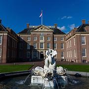 NLD/Apeldoorn//20170322 - Beatrix opent hoedententoonstelling Chapeaux in Paleis 't Loo, Paleis het Loo