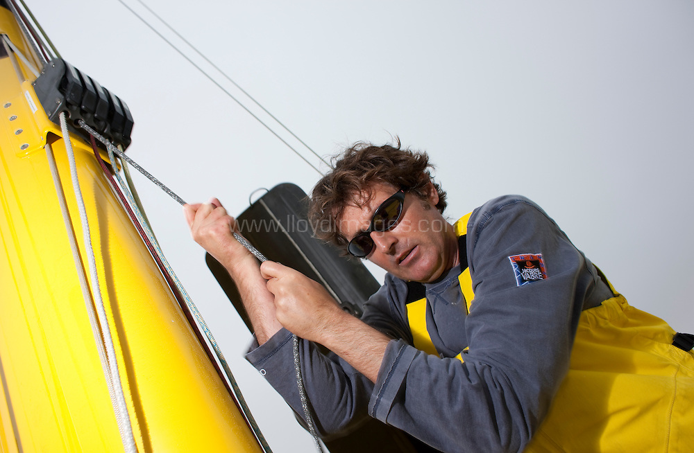 19th October 2009. Artemis Ocean Racing..Pictures of yachtswomen Dee Caffari (GBR) and her co skipper Brian Thompson (GBR) onboard the AVIVA IMOCA Open 60. Shown here whilst training prior to the Transat Jacques Vabre race start in France next month..