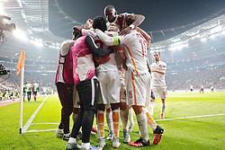 20.10.2015, BayArena, Leverkusen, GER, UEFA CL, Bayer 04 Leverkusen vs AS Roma, Gruppe E, im Bild Torjubel Tor zum 2:4 durch Iago Falque (#14, AS Rom) (verdeckt) // during UEFA Champions League group E match between Bayer 04 Leverkusen and AS Roma at the BayArena in Leverkusen, Germany on 2015/10/20. EXPA Pictures © 2015, PhotoCredit: EXPA/ Eibner-Pressefoto/ Deutzmann<br /> <br /> *****ATTENTION - OUT of GER*****