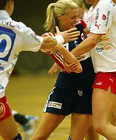 Håndball<br /> Norge v Larvik<br /> 05.10.2004<br /> Foto: Morten Olsen, Digitalsport<br /> <br /> Randi Gustad - Nordstrand