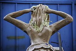SIRENA IN CARTAPESTA PRIMA DELLA PITTURAZIONE.<br /> Il carnevale di Gallipoli è tra i più noti della Puglia. La sua tradizione è antichissima ed è documentata, oltre che in atti e documenti settecenteschi, anche da radici folcloristiche che affondano le origini in epoca medioevale, tramandate fino ad oggi dallo spirito popolare. La prima edizione (per come la conosciamo) risale al 1941; nel 2014 sarà l'edizione numero 73.<br /> La manifestazione carnascialesca è organizzata dall' Associazione Fabbrica del Carnevale, nata nel febbraio 2013 con la finalità diorganizzare, promuovere e riportare in auge il Carnevale della Cittàdi Gallipoli. L'Associazione raccoglie al suo interno i maestri cartapestai Gallipolini e tanti giovani artisti, che vogliono valorizzare il Carnevale della città bella. Presidente dell'Associazione è Stefano Coppola.<br /> La manifestazione ha inizio il 17 gennaio, giorno di sant'Antonio Abate (te lu focu = del fuoco), con la Grande Festa del Fuoco, quando si accende con la tradizionale focara, un grande falò di rami d'ulivo. L'ultima domenica di carnevale e il martedì grasso lungo corso Roma, nel centro cittadino, si svolge la sfilata dei carri allegorici in cartapesta e dei gruppi mascherati corso Roma davanti a migliaia di spettatori provenienti da tutta la provincia di Lecce e da città pugliesi. Il tema dell'edizione di quest'anno è un omaggio a Walter Elias Disney.<br /> <br /> SIREN IN CARDBOARD BEFORE PAINTING.<br /> The Carnival of Gallipoli is among the best known of Puglia. Its tradition is very old and is documented , as well as records and documents in the eighteenth century , as well as folkloric roots that sink their roots in medieval times , handed down today by the popular spirit . The first edition dates back to 1941 and in 2014 will be the edition number 73 .<br /> The carnival is organized by the Association of Carnival Factory , founded in February 2013 with the objective to organize, promote and revive the Carnival of the ci