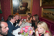 Dinner hosted by Elizabeth Saltzman for Mario Testino and Kate Moss. Mark's Club. London. 5 June 2010. -DO NOT ARCHIVE-© Copyright Photograph by Dafydd Jones. 248 Clapham Rd. London SW9 0PZ. Tel 0207 820 0771. www.dafjones.com.